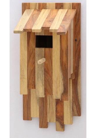 FLY IN-ZEBRA BIRDHOUSE