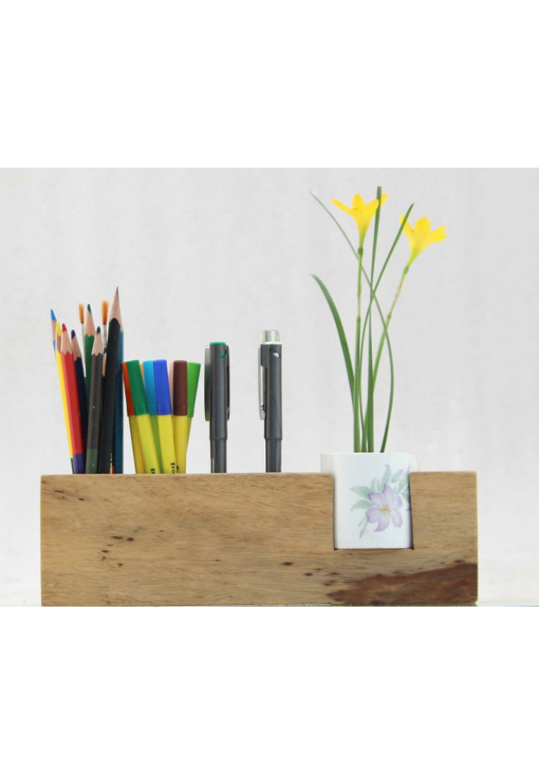 Crafty Girl - Desk organizer
